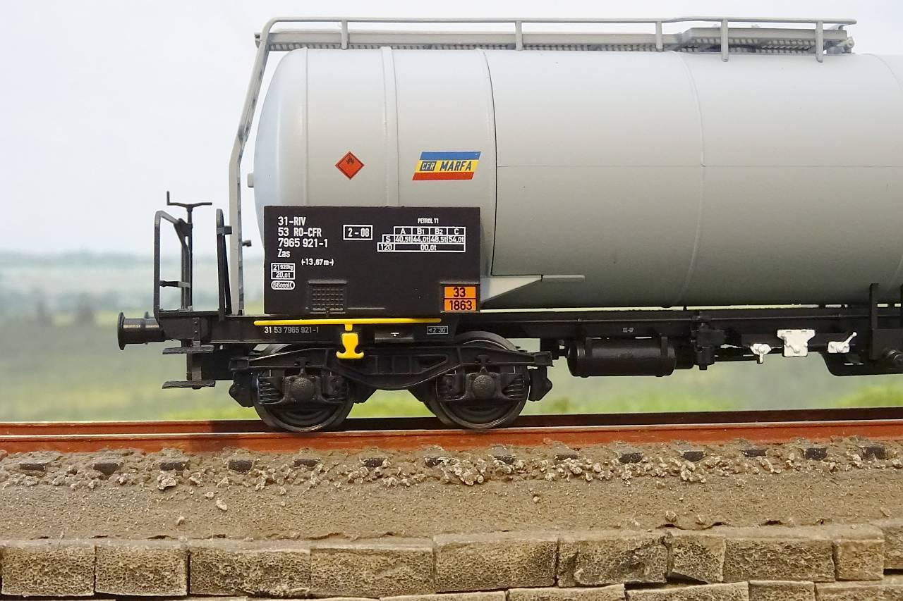 TL76652A